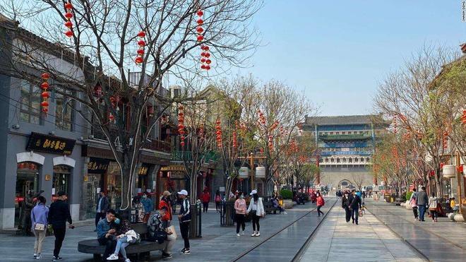 Bất chấp 'làn sóng virus thứ hai', dân Trung Quốc thản nhiên vui chơi Ảnh 3