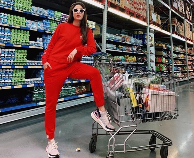 Phong cách sang chảnh từ đời thường đến thảm đỏ của Diễm My 9X Ảnh 1