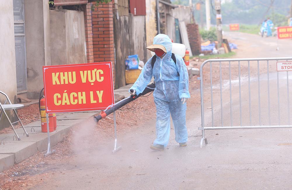 Lấy mẫu xét nghiệm cho hơn 1.300 người dân thôn Đông Cứu (huyện Thường Tín) Ảnh 10