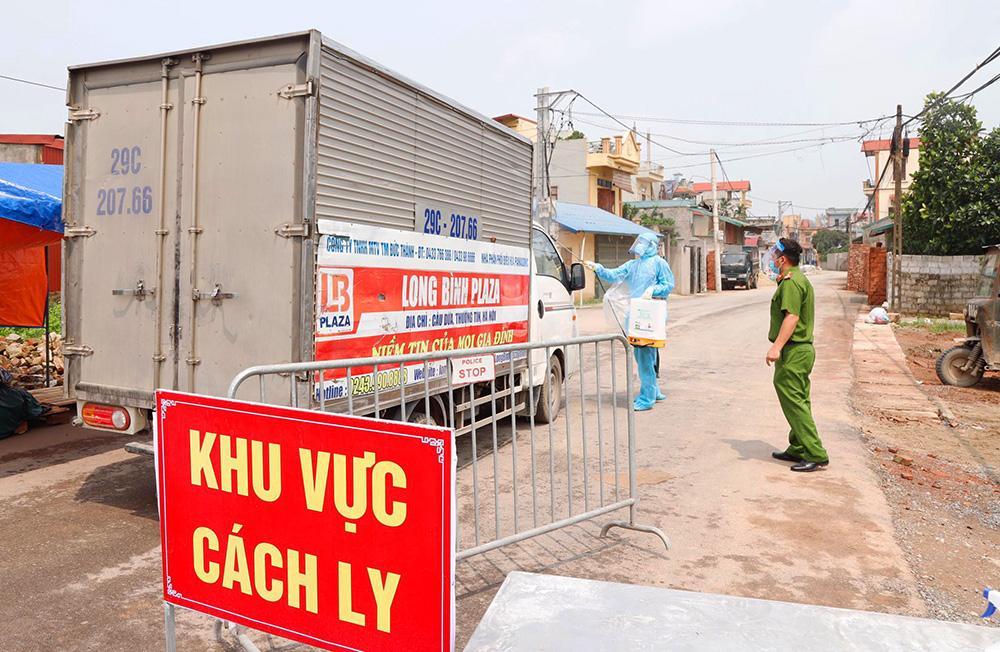 Lấy mẫu xét nghiệm cho hơn 1.300 người dân thôn Đông Cứu (huyện Thường Tín) Ảnh 11