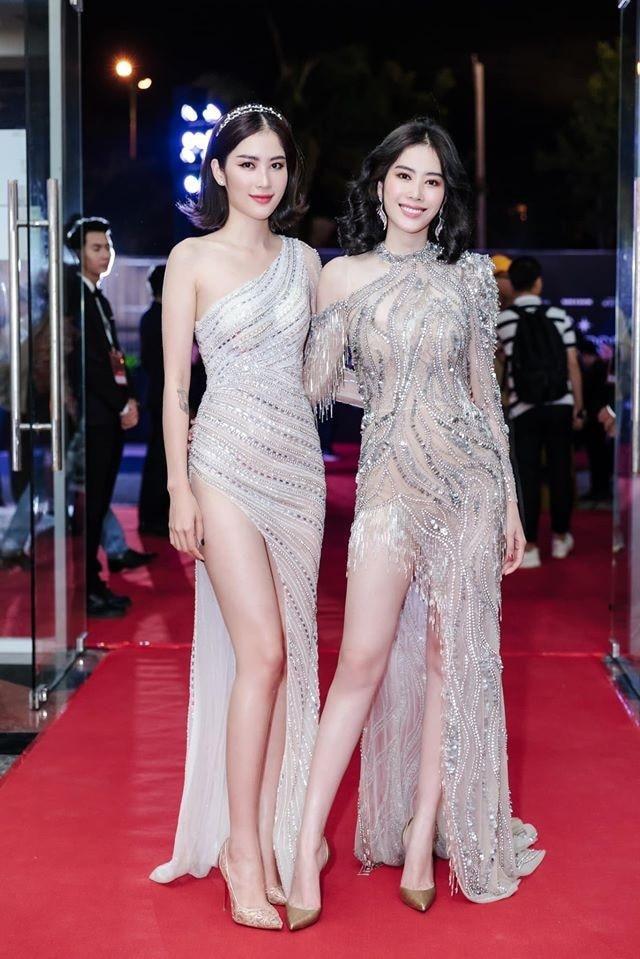Bắt trend nhanh chóng chị em song sinh của Nam Em quấn cả gối lẫn chăn thành váy Ảnh 5