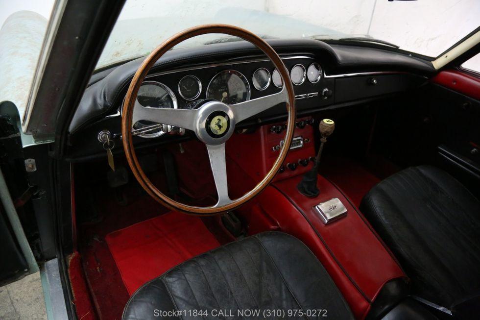 Xe cổ Ferrari bị bỏ xó 40 năm rao giá hơn 6 tỷ Ảnh 10