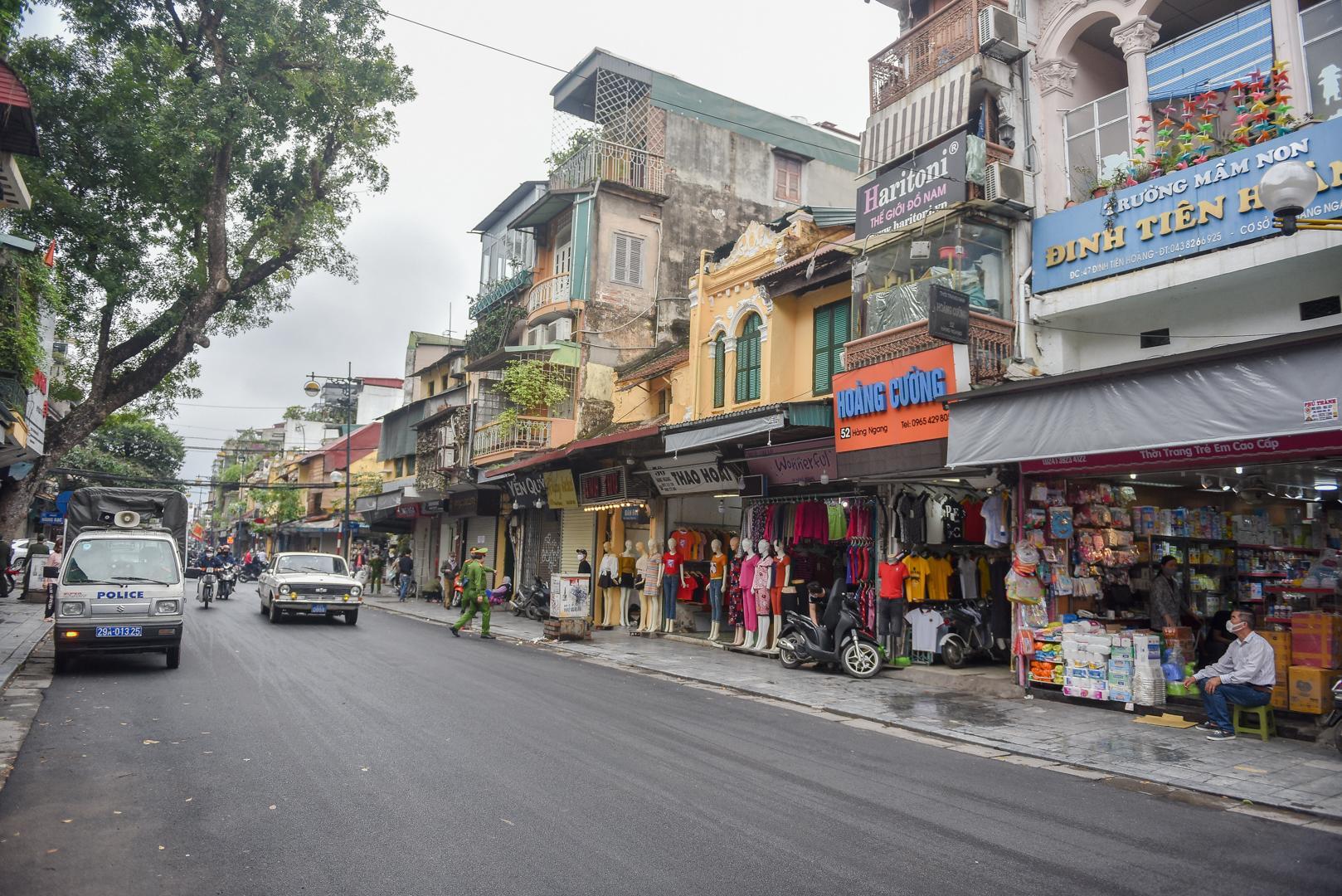 Nhịp sống tại Hà Nội dần trở lại sau nới lỏng cách ly xã hội Ảnh 2