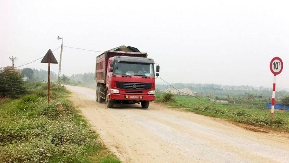 Hà Nội: Phạt 61 triệu, tước GPLX 3 tháng lái xe chở quá tải 100% Ảnh 1