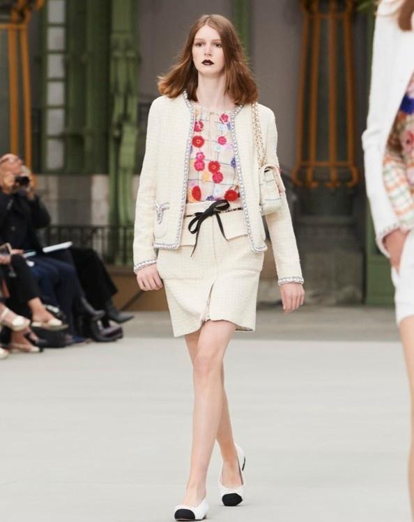 Nữ chính 'Quân vương bất diệt' mặc đồ Chanel sang chảnh như người mẫu Ảnh 7