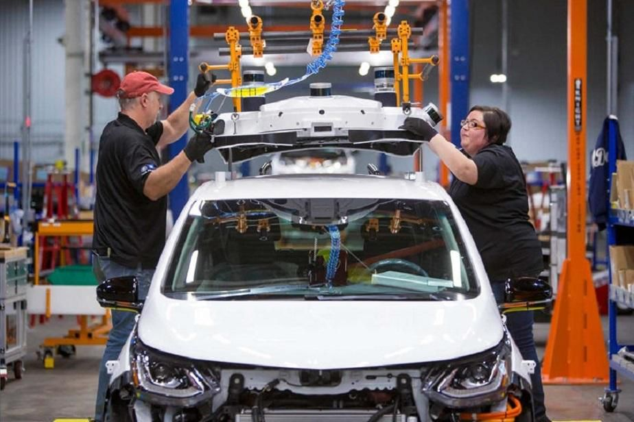 Công đoàn ô tô Mỹ quan ngại việc mở cửa lại các nhà máy ô tô Ảnh 1