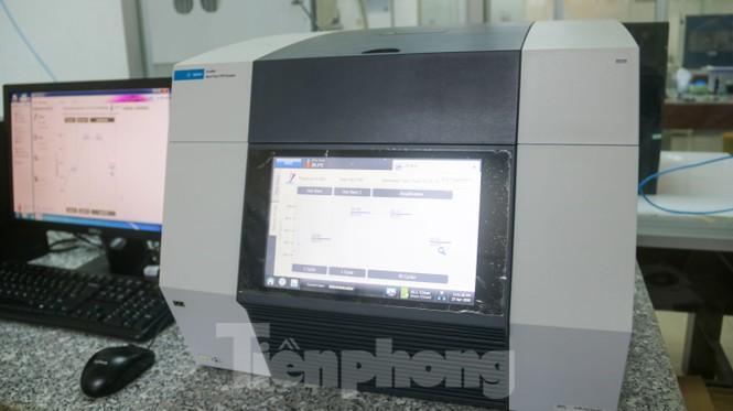 Giá 1,4 tỷ đồng, máy phục vụ xét nghiệm COVID-19 của Đà Nẵng hoạt động như thế nào? Ảnh 8