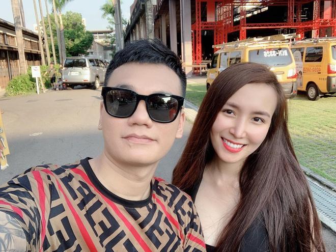 Khắc Việt tiết lộ vợ mang song thai Ảnh 1