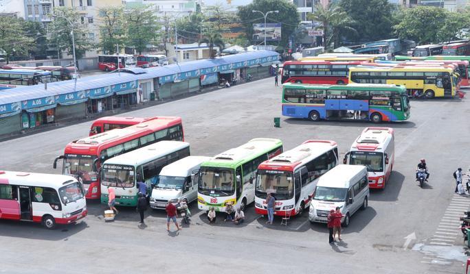 Xe khách hoạt động lại ở TP HCM: Trung bình mỗi xe 7 hành khách Ảnh 1