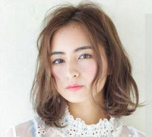 Thử ngay 8 kiểu tóc ngắn cực hợp giúp người có gương mặt tròn trở nên thanh thoát Ảnh 5
