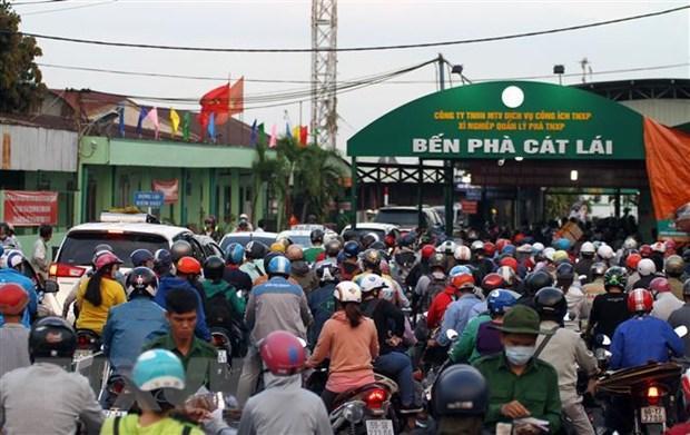Lượng hành khách từ TP.HCM đi các tỉnh giảm trong dịp nghỉ lễ năm nay Ảnh 2