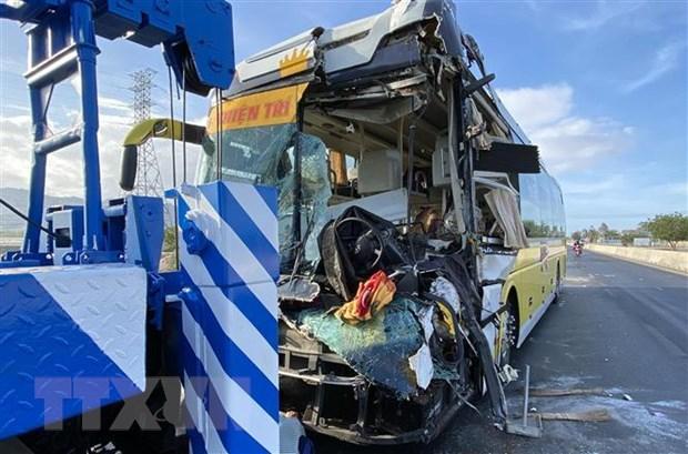 Ngày đầu tiên của kỳ nghỉ lễ, tai nạn giao thông làm chết 14 người Ảnh 1