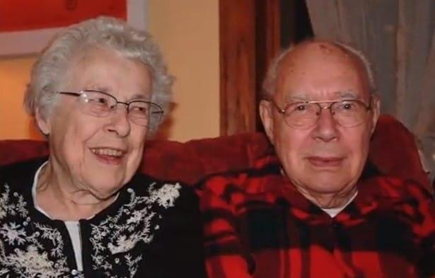 Cặp vợ chồng chung sống hơn 7 thập kỷ qua đời cách nhau vài tiếng vì virus corona Ảnh 1