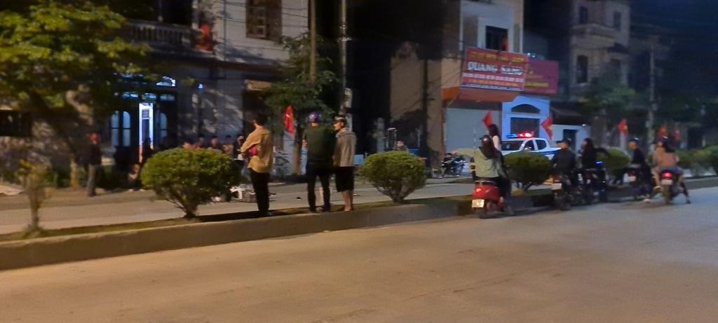 Lạng Sơn: Va chạm giữa ô tô với xe máy trong đêm, nam thanh niên nhập viện cấp cứu Ảnh 3