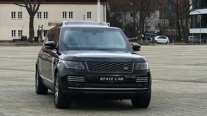 Range Rover phiên bản lạ chào hàng đại gia Việt với giá hơn 19 tỷ đồng: Dài hơn Rolls-Royce Phantom EWB, chống đạn, nội thất siêu sang Ảnh 4