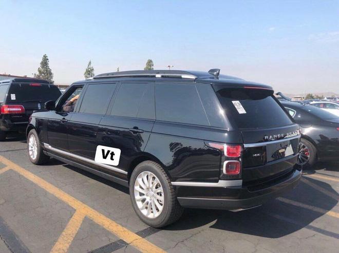 Range Rover phiên bản lạ chào hàng đại gia Việt với giá hơn 19 tỷ đồng: Dài hơn Rolls-Royce Phantom EWB, chống đạn, nội thất siêu sang Ảnh 2