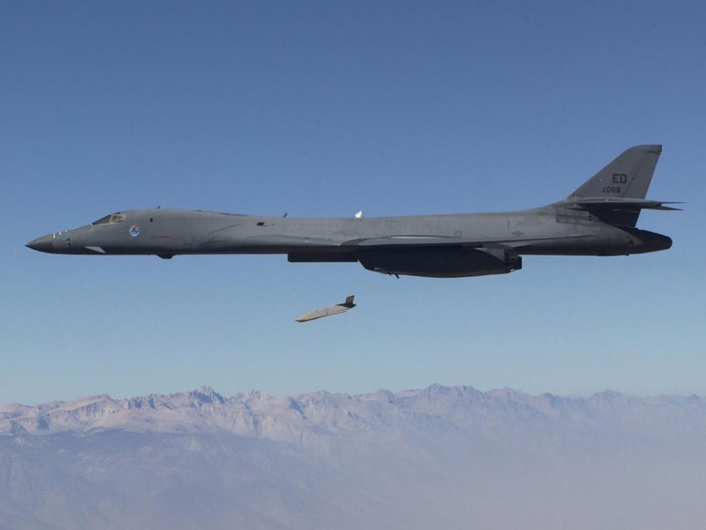 60 năm thăng trầm của phi cơ B-1B Lancer, kỵ binh ném bom từ Mỹ Ảnh 3