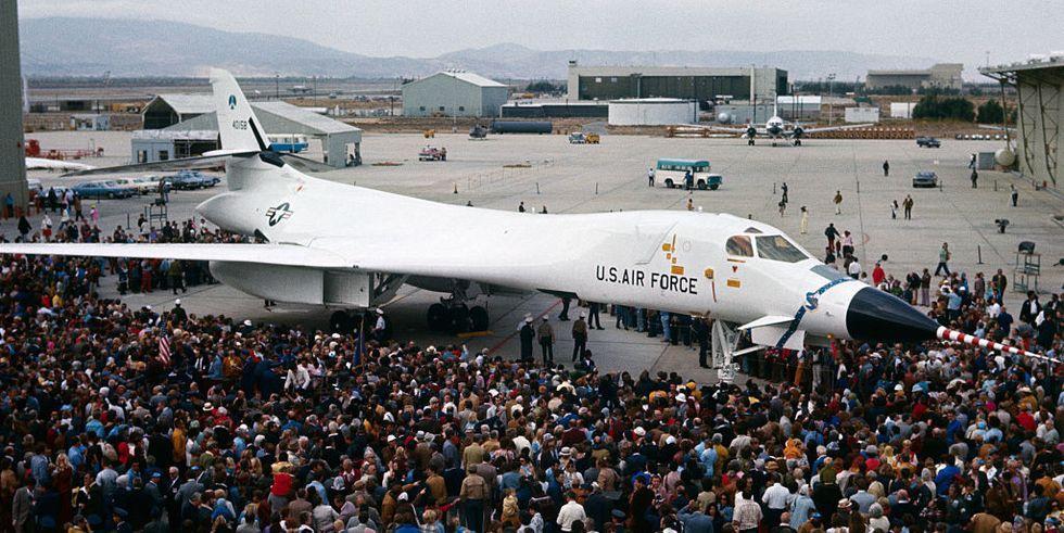 60 năm thăng trầm của phi cơ B-1B Lancer, kỵ binh ném bom từ Mỹ Ảnh 1
