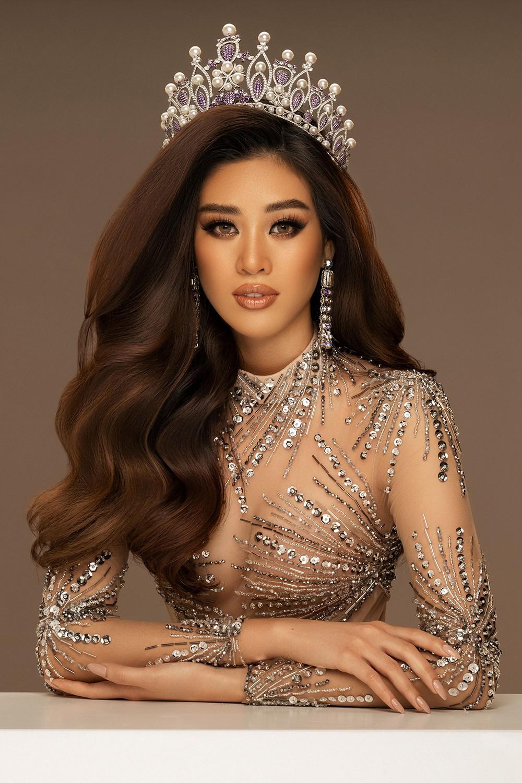 Hoa hậu Khánh Vân mặc váy xuyên thấu táo bạo, khoe vòng 1 quyến rũ Ảnh 3