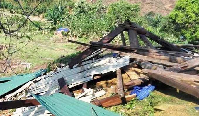 Lốc xoáy càn quét miền Tây xứ Nghệ, một cụ bà bị nhà sập đè gãy chân Ảnh 3