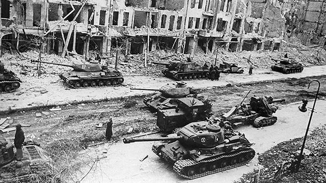 Chiến thắng phátxít Đức: Thiên anh hùng ca chói lọi Ảnh 28