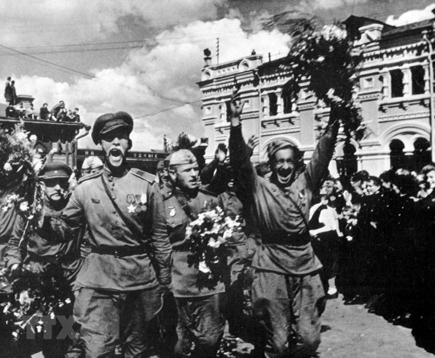 Chiến thắng phátxít Đức: Thiên anh hùng ca chói lọi Ảnh 14
