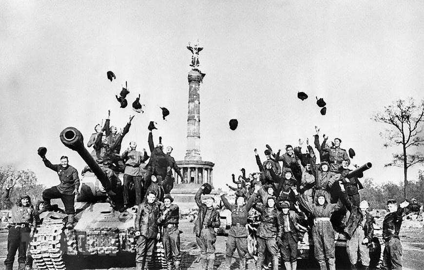 Chiến thắng phátxít Đức: Thiên anh hùng ca chói lọi Ảnh 18