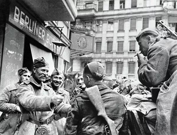 Chiến thắng phátxít Đức: Thiên anh hùng ca chói lọi Ảnh 26