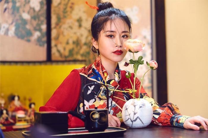 Không phải Lý Tử Thất, đây mới là vlogger nữ Trung Quốc có thu nhập cao nhất YouTube Ảnh 5