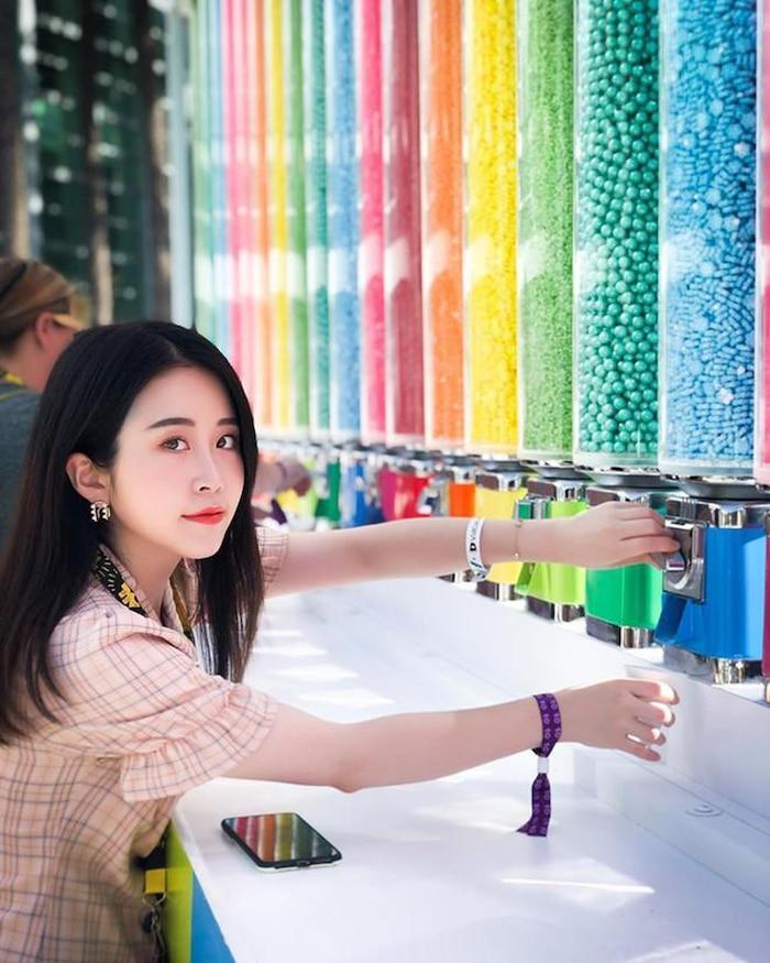 Không phải Lý Tử Thất, đây mới là vlogger nữ Trung Quốc có thu nhập cao nhất YouTube Ảnh 4