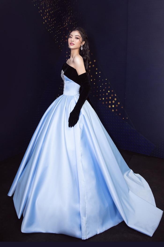 Á hậu Kiều Loan mê hoặc khán giả với gu thời trang xuất sắc trên sóng truyền hình Ảnh 14