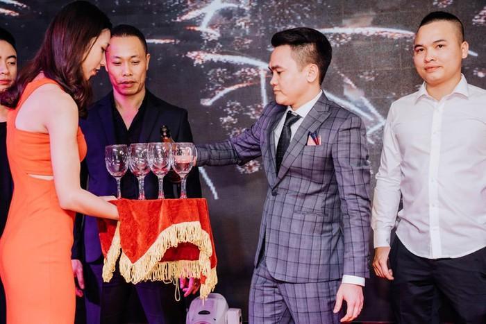 Diễn viên Phạm Tiến Chung nổi bật trong bộ ảnh mới Ảnh 6