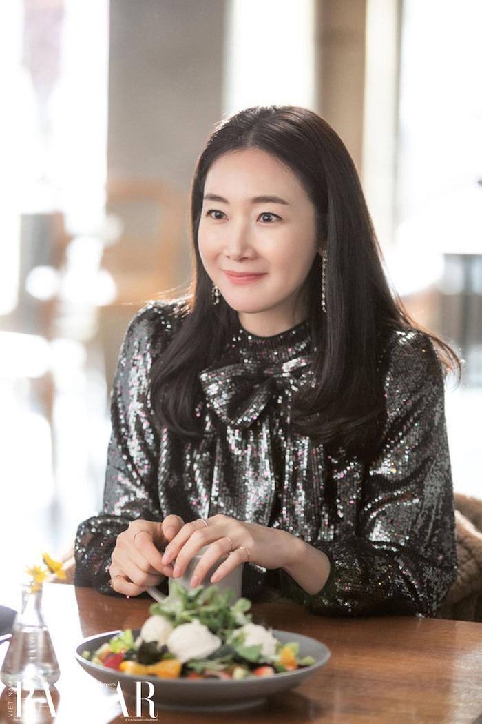 Mẹ bầu Choi Ji Woo khoe bụng D-line đẹp tựa nữ thần, lâm bồn trong 15 ngày nữa Ảnh 2