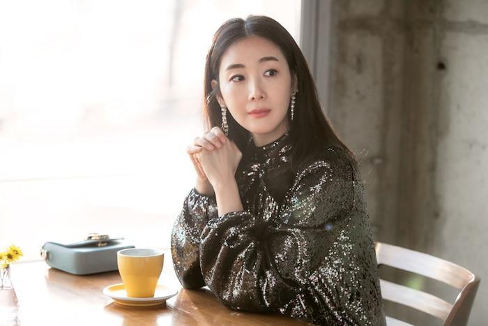 Mẹ bầu Choi Ji Woo khoe bụng D-line đẹp tựa nữ thần, lâm bồn trong 15 ngày nữa Ảnh 4