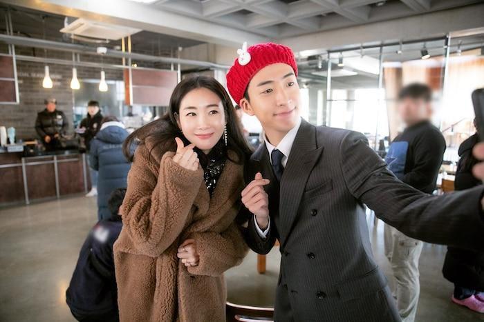 Mẹ bầu Choi Ji Woo khoe bụng D-line đẹp tựa nữ thần, lâm bồn trong 15 ngày nữa Ảnh 6
