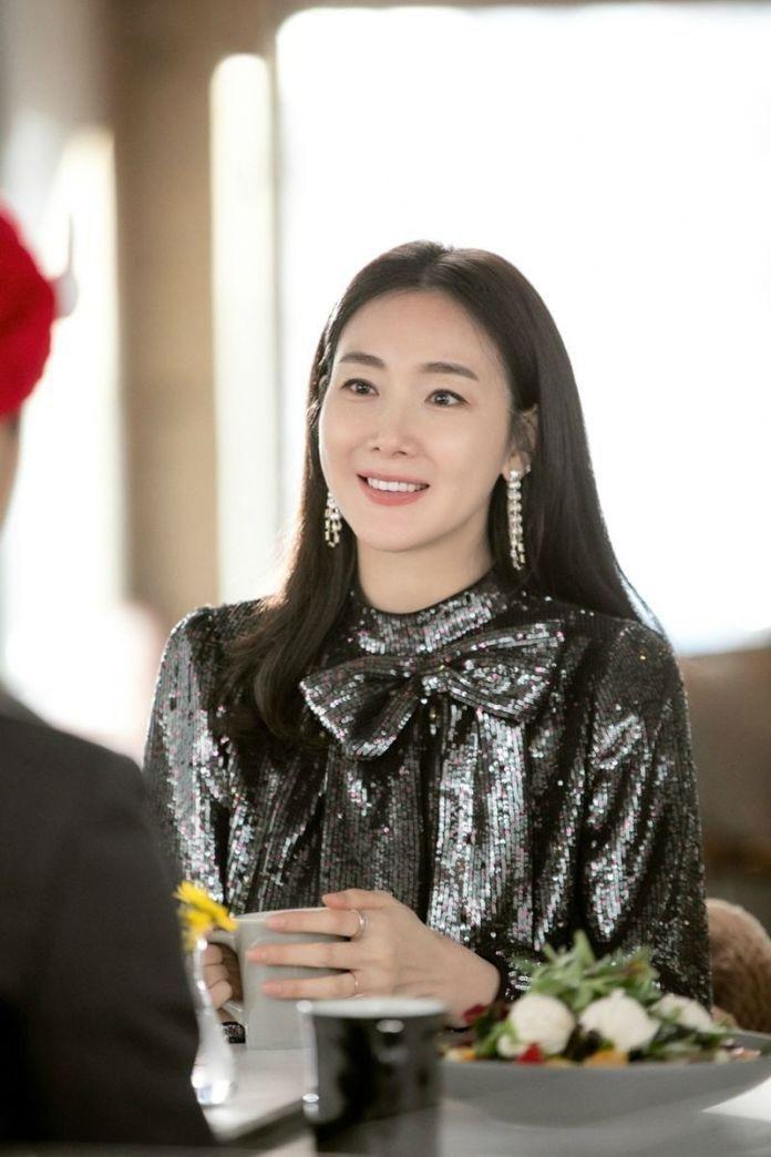 Mẹ bầu Choi Ji Woo khoe bụng D-line đẹp tựa nữ thần, lâm bồn trong 15 ngày nữa Ảnh 5