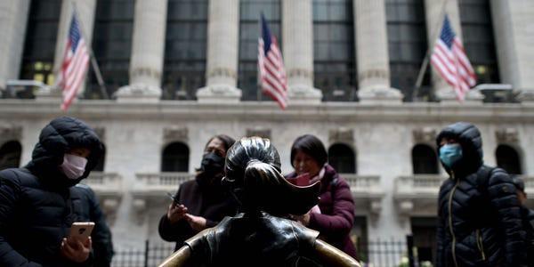 Hơn 33 triệu người ở Mỹ đăng ký xin trợ cấp thất nghiệp Ảnh 1