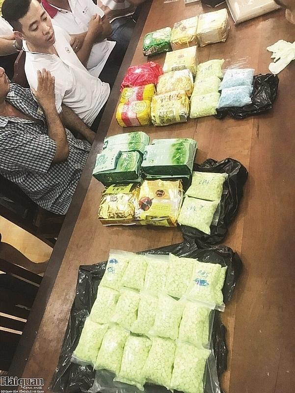 Bắt các đối tượng dùng xuồng máy vận chuyển 40 kg ma túy Ảnh 4