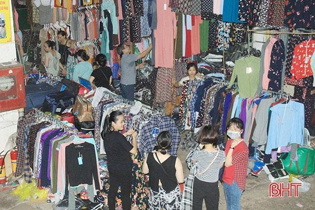 Đầu hè, thời trang chống nắng ở Hà Tĩnh đã 'đắt khách'! Ảnh 1