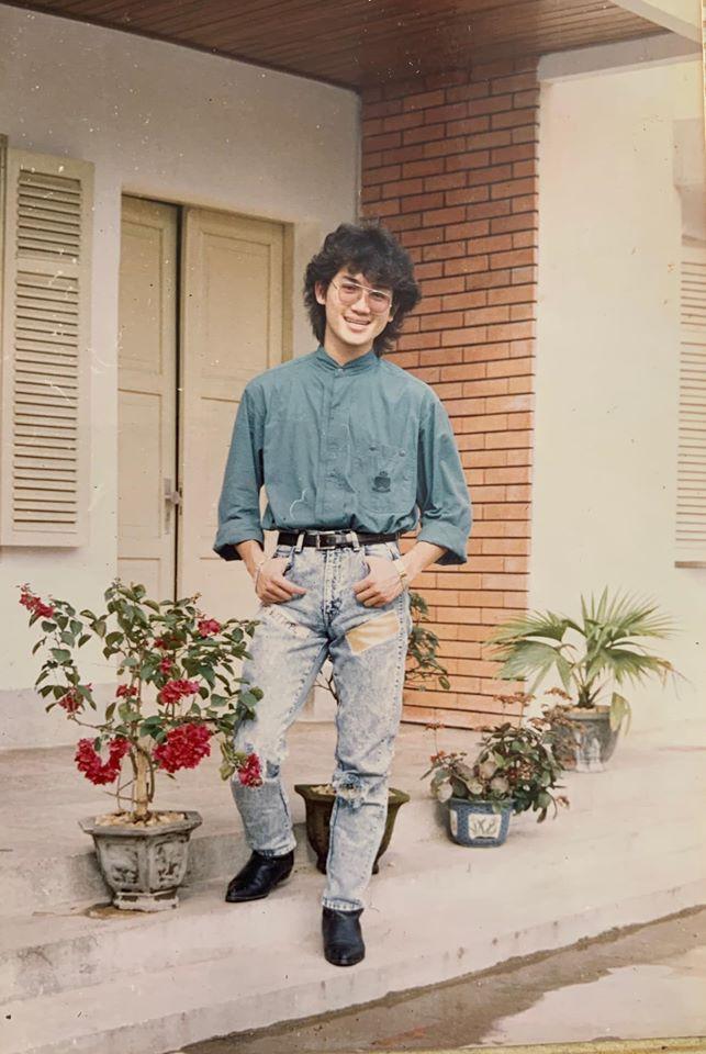 Huyền My khoe ảnh bố thời trẻ 'chất chơi' như ngôi sao nhạc rock Ảnh 1