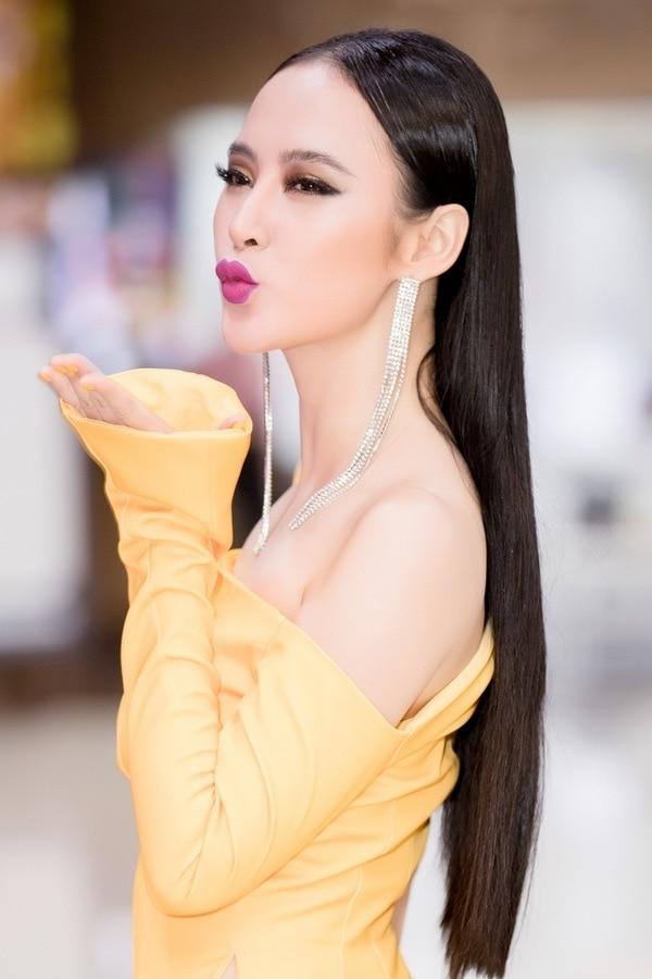 Mặc màu vàng quyền lực, Angela Phương Trinh khi lộng lẫy như bà hoàng lúc 'lạc quẻ' khó đỡ Ảnh 10