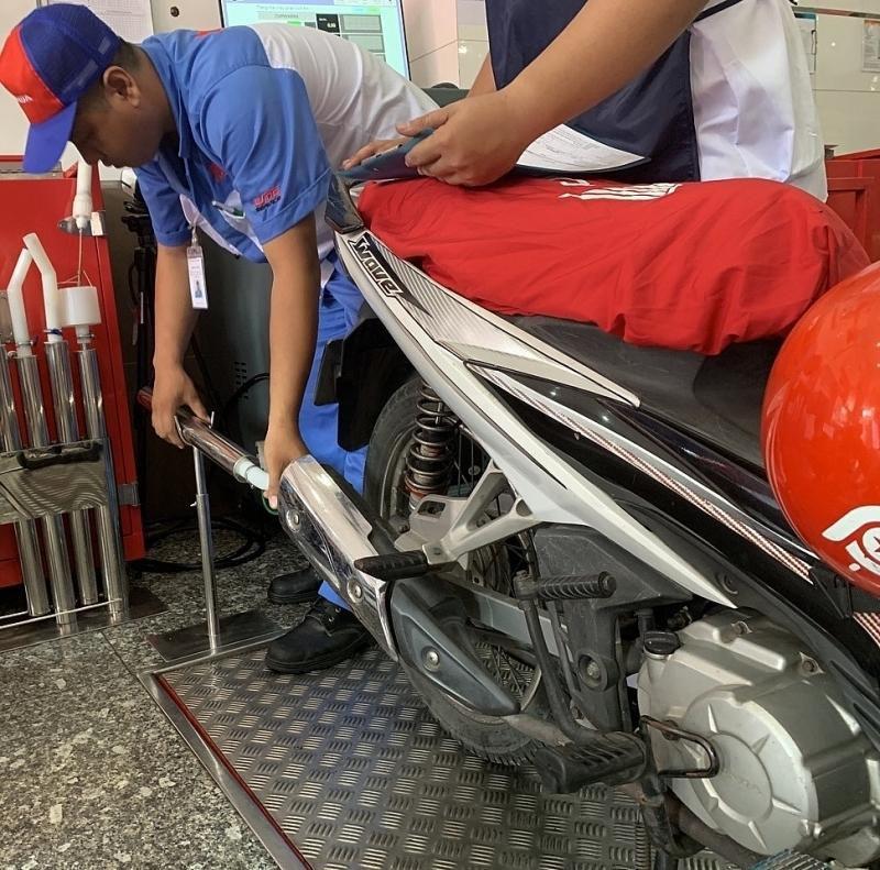 TPHCM kiểm tra khí thải xe máy miễn phí cho người dân Ảnh 1