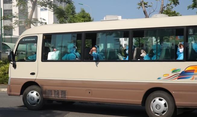 Đưa hơn 200 người từ Đức, Tây Ban Nha về đến Đà Nẵng Ảnh 1