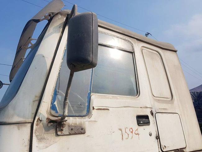 Ninh Bình: Kỳ lạ chiếc xe chở đầy hàng bị bỏ lại, cán bộ giao thông phải túc trực tìm chủ Ảnh 4