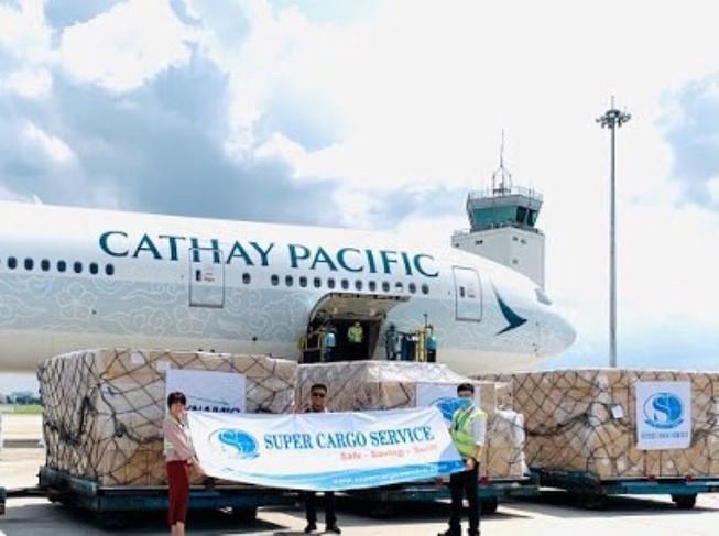8 chiếc máy bay khủng chở sản phẩm y tế từ Việt Nam đến Mỹ Ảnh 1