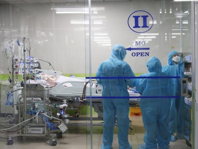 Bệnh viện Chợ Rẫy hội chẩn trong đêm về bệnh nhân 91 Ảnh 1