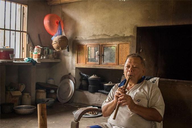 Cuộc sống bình dị ở bản làng Việt Nam qua ống kính khách Tây Ảnh 6