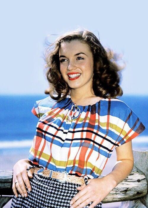 Nhan sắc khuynh đảo một thời của biểu tượng điện ảnh Marilyn Monroe Ảnh 2