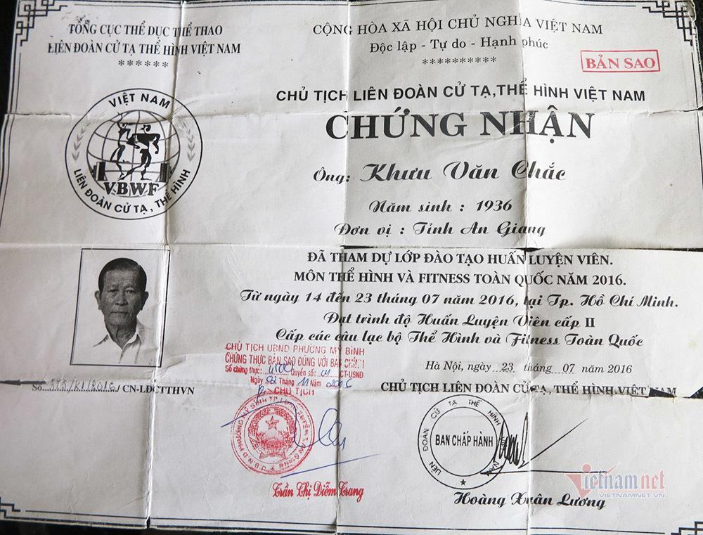 Cụ ông An Giang nhận bằng huấn luyện viên thể hình năm 80 tuổi Ảnh 2