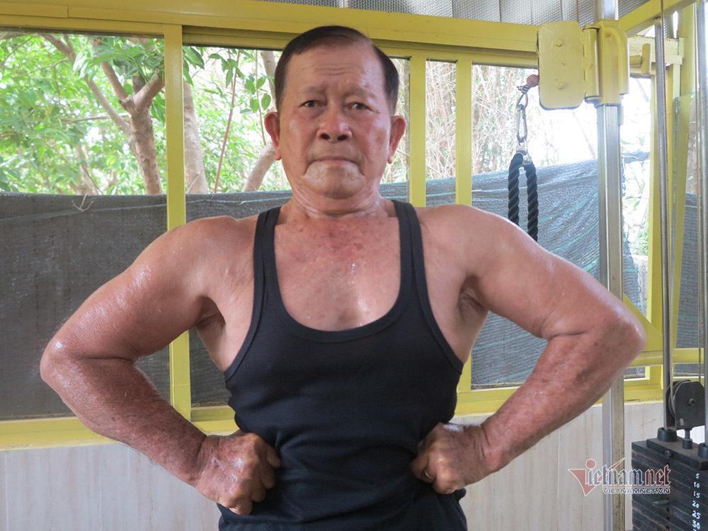 Cụ ông An Giang nhận bằng huấn luyện viên thể hình năm 80 tuổi Ảnh 3